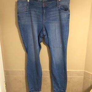 NWOT Old Navy Rockstar Jeans Light Wash Plus 22